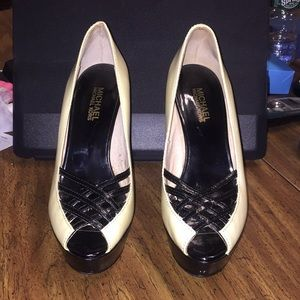 Michael Kors Lana Vanilla Black Patent Peep 7